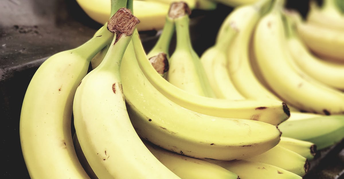 A close up of a bunch of bananas